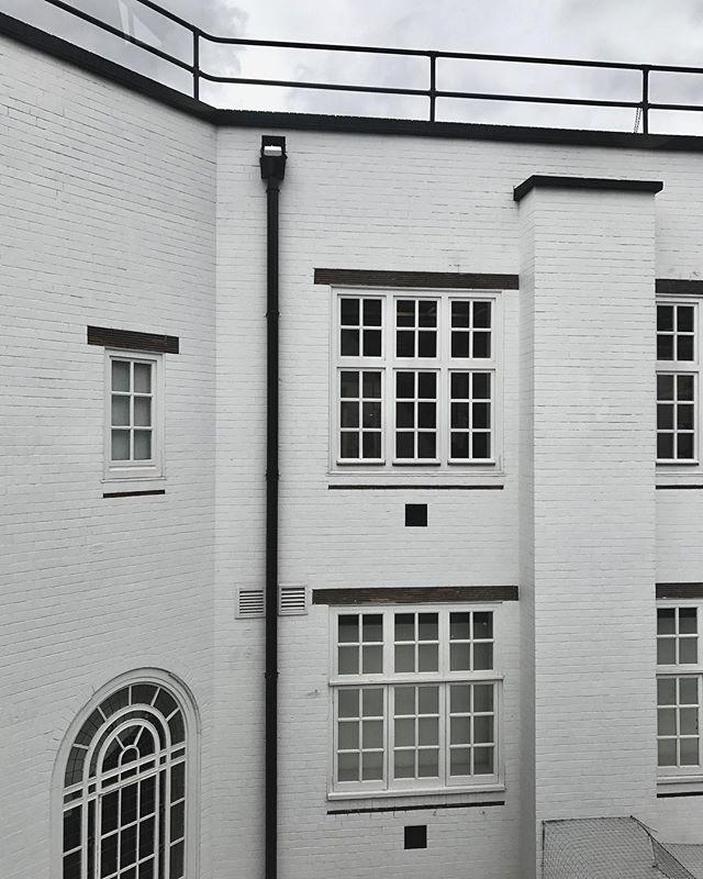 London.........#london #architecture #exterior #doverstreetmarket